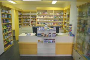 mobilier pentru farmacii mici