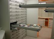 Colonnes de tiroirs de pharmacie